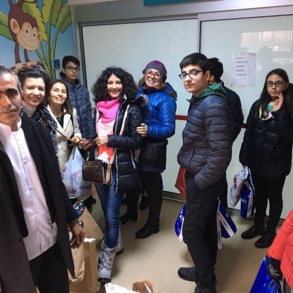 29 Aralık Okmeydanı Hastanesi Çocuk Onkoloji ziyareti - TÜRK KANSER DERNEĞİ