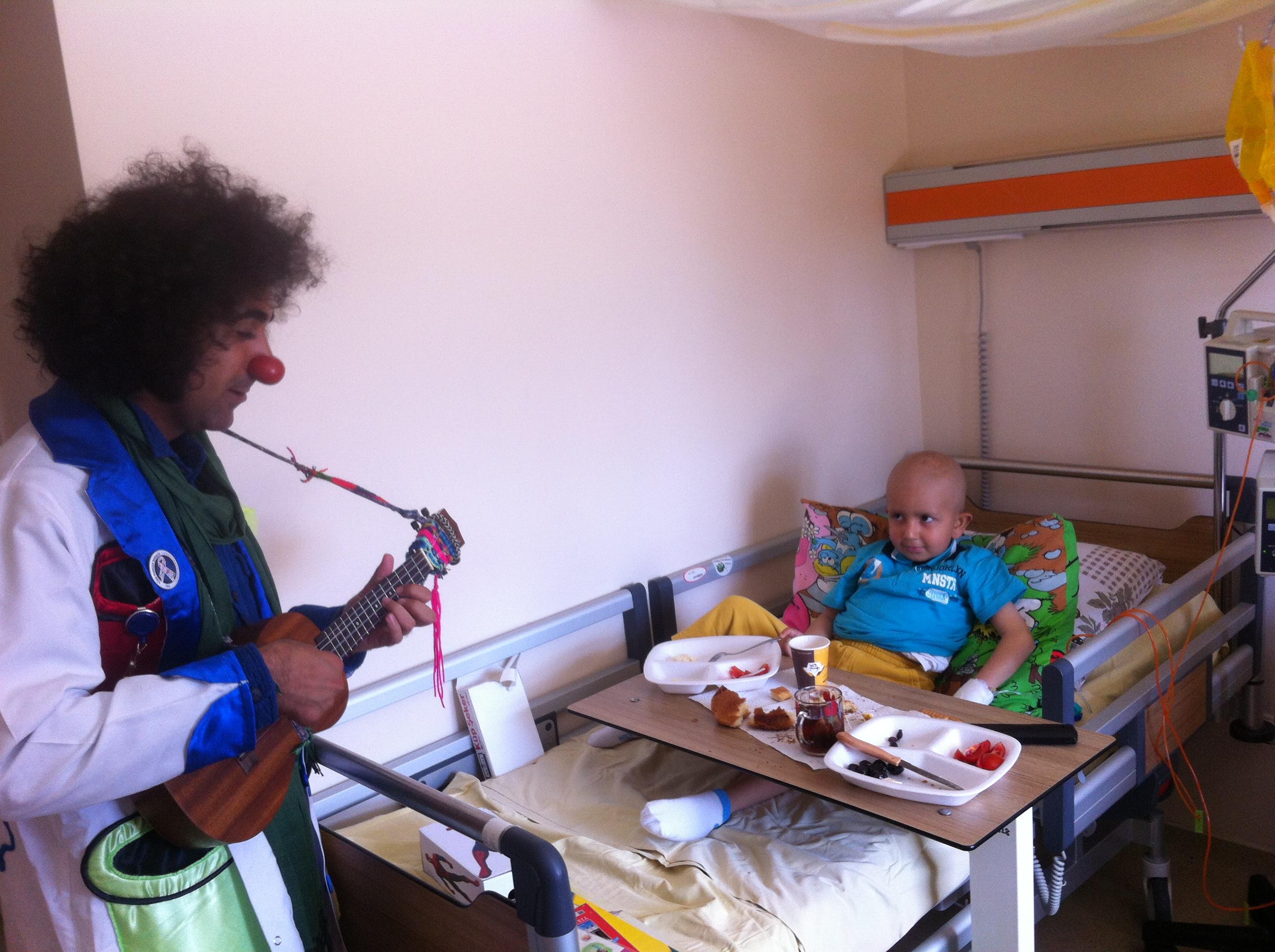 23 Nisan - Okmeydanı Çocuk Onkoloji Servisi Şenliği - TÜRK KANSER DERNEĞİ